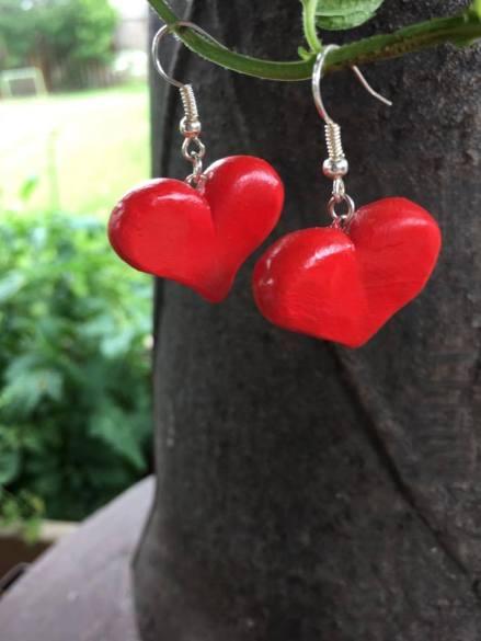 feo inventory heart earrings